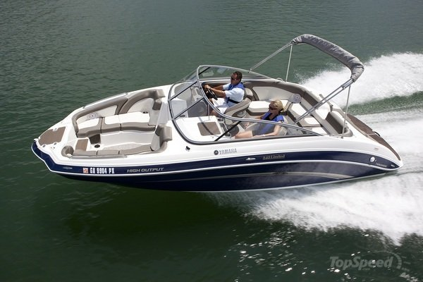 Yamaha 242 Limited JetBoat GP