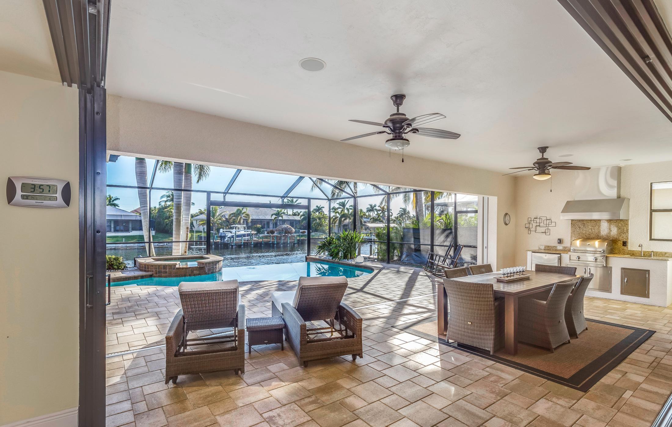 NEW!! Villa Cosmopolitan - Ferienhäuser in Cape Coral, Florida ...